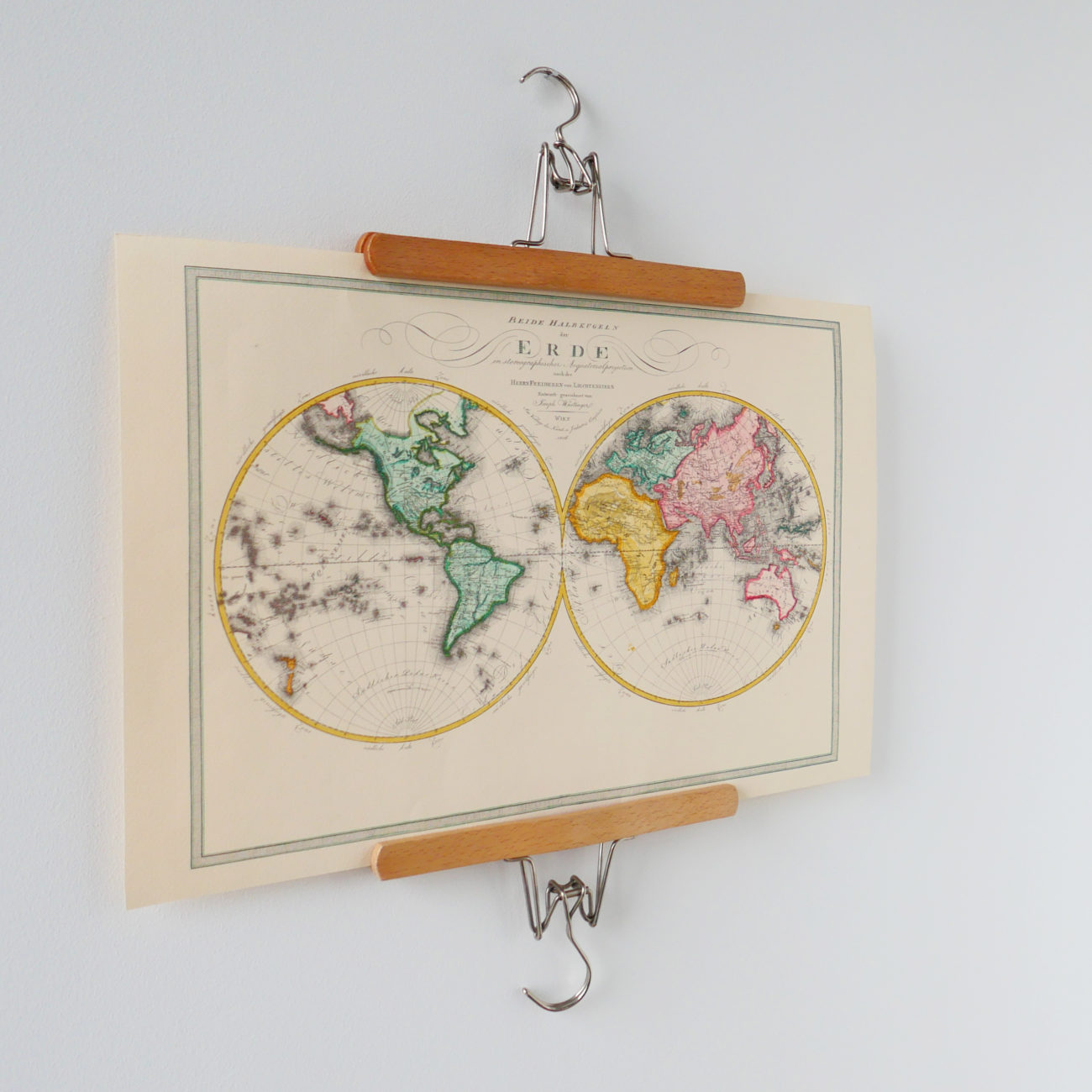 Krankikom Telefonzelle 50er Jahre Weltkarte